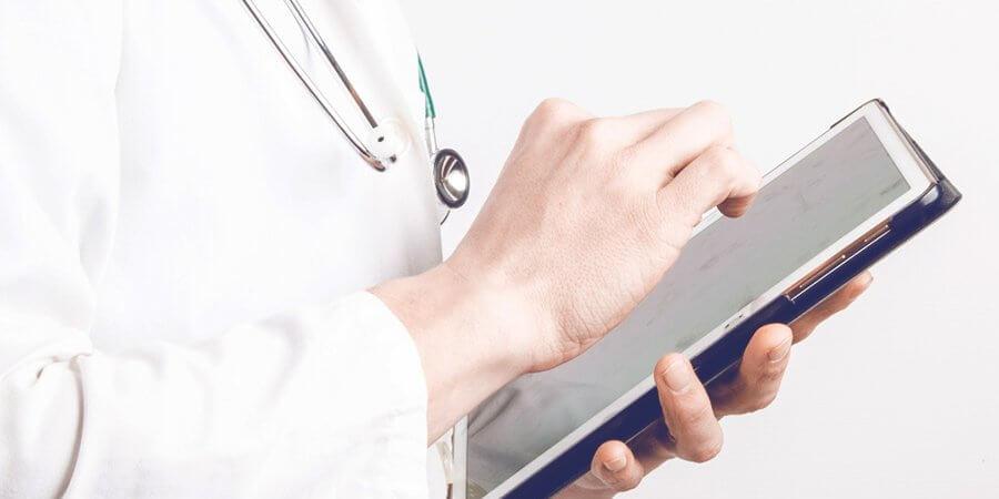 Vai divulgar a sua clínica? Entenda as regras da publicidade médica