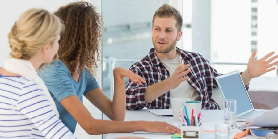 Como escolher uma agência de marketing para atender a sua clínica?